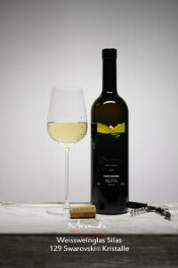 Weissweinglas Silas, Merandi Schweiz, 129 Swarovski® Kristalle, Chardonnay Cave du Rhodan