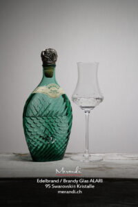 Edelbrand Digestif Glas Alari, 95 Swarovski® Kristalle, Merandi Schweiz, Edelbrand Rochelt®